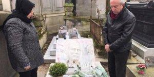 AK Parti'li Miroğlu'dan Yılmaz Güney ile Ahmet Kaya'nın mezarına ziyaret