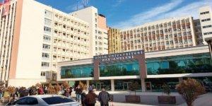 Dicle Üniversitesi (DÜ) Tıp Fakültesi Hastanelerinde risk analizleri toplantısı yapıldı.