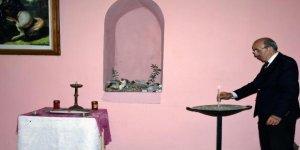 368 yıllık kilisede tek başına Paskalya Bayramı'nı kutladı
