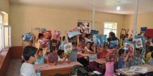 Bismil'de öğrencilere kitap dağıtıldı