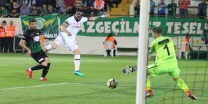 Beşiktaş, maç fazlasıyla liderliğe yükseldi