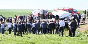 Kazayı izleyen düğün konvoyu da kaza yaptı: 2 ölü, 13 yaralı