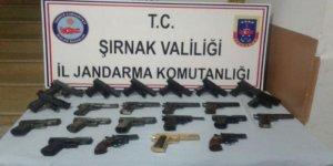 Şırnak'ta 22 tabanca ele geçirildi