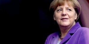 Merkel: Anlaşmaya bağlı kalacağız