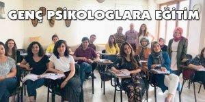 PROF. DR. FIŞILOĞLU'NDAN GENÇ PSİKOLOGLARA EĞİTİM