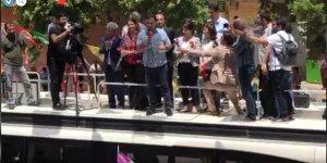 CANLI YAYIN...HDP'nin Diyarbakır milletvekili adaylarının kitlesel bir şekilde tanıtımı yapılıyor.