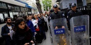 The Guardian: Türkiye'de boğucu korku iklimi sürüyor