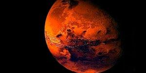 Kızıl Gezegen Mars'ta göl bulundu!