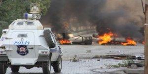 Yüksekova'da patlama: 8 polis yaralandı