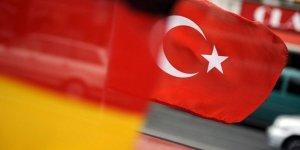 54 Alman Türkiye sınırından geri çevrildi
