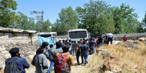 Erciş'ten İstanbul'a Götürecekleri 100 Göçmeni Eve Kapatıp Kaçtılar