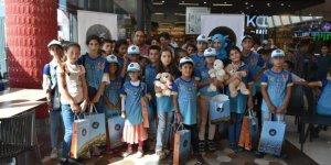 İpekyolu Belediyesi Öksüz Ve Yetim Çocukları Sevindirdi