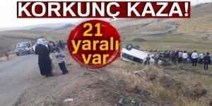 Minibüs şarampole devrildi: 21 yaralı