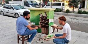 Elektrik trafoları sanatla süsleniyor