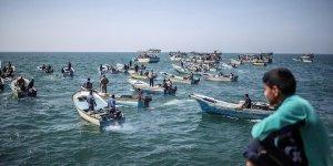 İsrail Deniz Kuvvetleri Gazzeli balıkçıları gözaltına aldı