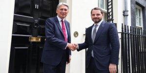 Berat Albayrak Londra'da bakanlarla bir araya geldi