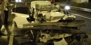 Kamyona çarpan otomobilin sürücüsü hayatını kaybetti