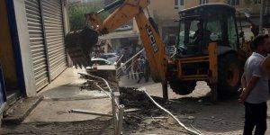 Belediye, Dicle Elektrik'e ait binayı yıktı!