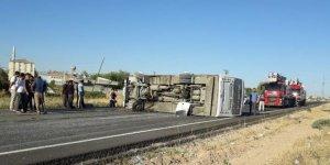Şırnak'ta midibüs devrildi: 17 yaralı