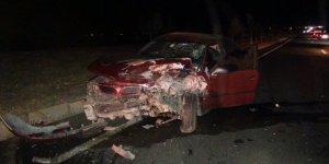 Diyarbakır'da pikap ile otomobil çarpıştı: 3 yaralı