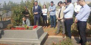 Yeni yönetimin ilk ziyareti Elçi'nin mezarı oldu