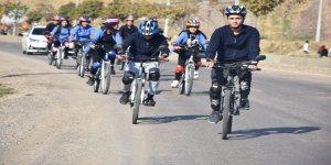 """Şırnak'ta """"Sağlık ve bisiklet doğa ile buluşuyor"""" etkinliği"""