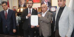 CHP'li Başkan ve 120 kişi Ak Parti'ye geçti