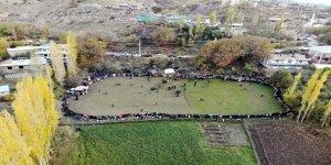 (VİDEOLU)  Sınırındaki Düğün Halayı Drone İle Görüntülendi