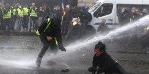 Fransa'da Sarı Yeleklilerin protestosu büyüyor
