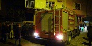 Derik'te 2 katlı evde yangın