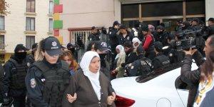 VİDEO- HDP il binasına polis baskını: 25 gözaltı