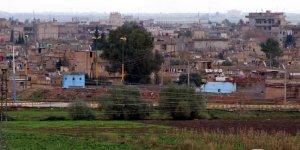 YPG, Fırat'ın doğusunda hendek kazmaya başladı
