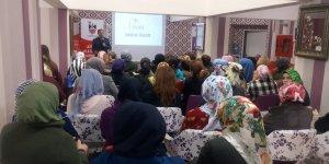 """""""Bağımlılıkla mücadelede ailenin rolü ve önemi"""" konferansı"""
