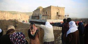 Hasankeyf'te bir tarihi eser daha taşınıyor