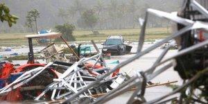 Endonezya'yı tsunami vurdu
