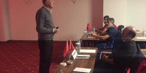 Rasim Kara'dan Kaleci Antrenörlerine Uygulamalı Eğitim