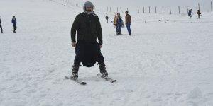 """Güneydoğu'nun """"Uludağ""""ında kayak sezonu açıldı"""