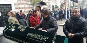 Selami Şahin vefat eden ağabeyini son yolculuğuna uğurladı
