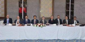 Vali Güzeloğlu ve Bakan Yardımcısı Nebati iş dünyası temsilcileriyle buluştu