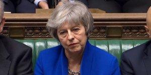 Theresa May parlementodan güven oyu aldı