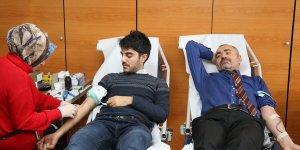 Öykü Arin'e bir destekte Diyarbakır Barosundan