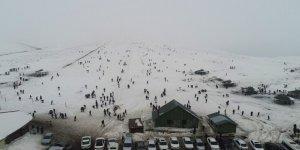 Yarıyıl tatilinde Karacadağ'da kayak keyfi