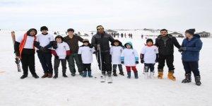 Otizmli çocukların kayak heyecanı