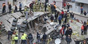 Çöken binada 2 kişi öldü, 6 kişi yaralı kurtarıldı