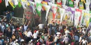 Diyarbakır mitingindeki patlamanın davası 2 Nisan'a ertelendi
