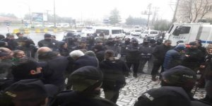 VİDEO- Güven'in evine gitmek isteyen kitleye polis engeli