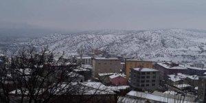 Kulp'ta kar yağışı