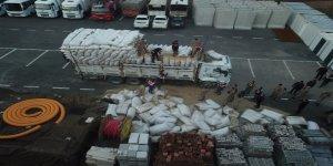 VİDEO-Saman altında uyuşturucu yürüttüler