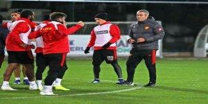 Göztepe, teknik direktör Kemal Özdeş ile yollarını ayırdı