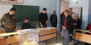 Urfa'da açık oy kullanıldı oy verme işlemi durduruldu
